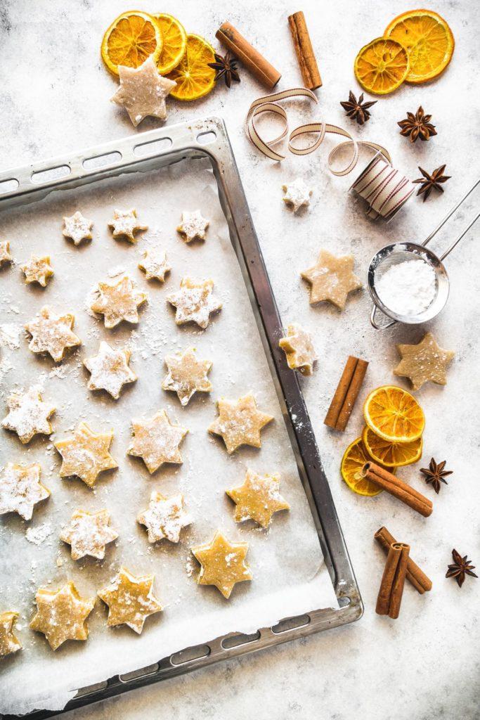 Zimtsterne, biscotti di natale alla cannella, Ricetta biscotti di natale alla cannella, Zimtsterne, German Cinnamon Star Cookies, cinnamon star cookies recipe