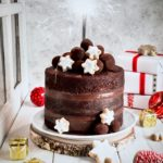 torta al cioccolato, dolci per capodanno, tartufi al cioccolato, torta alla Nutella, torta alla crema di Nocciole, chocolate naked cake, Nutella naked cake, chocolate hazelnut cream naked cake, chocolate truffle, christmas cake recipe