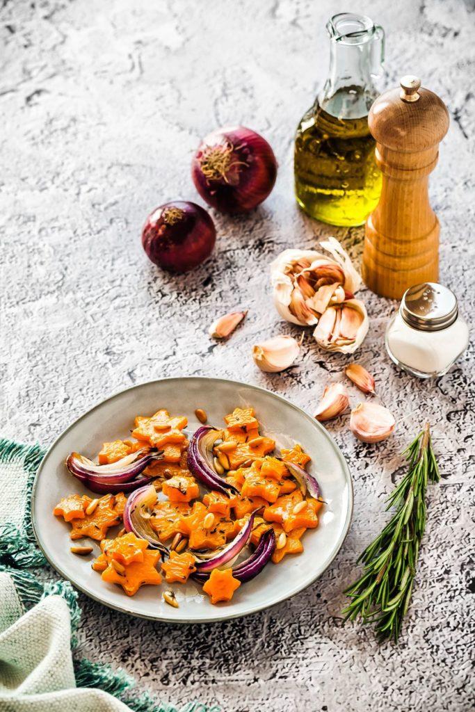 Contorno di zucca al forno con cipolle rosse, Zucca al forno, Cipolle arrosto, How to make roasted pumpkin with red onions, Roasted pumpkin recipe